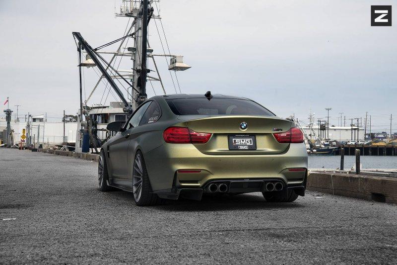Золотой BMW M4 в исполнении Zito Wheels