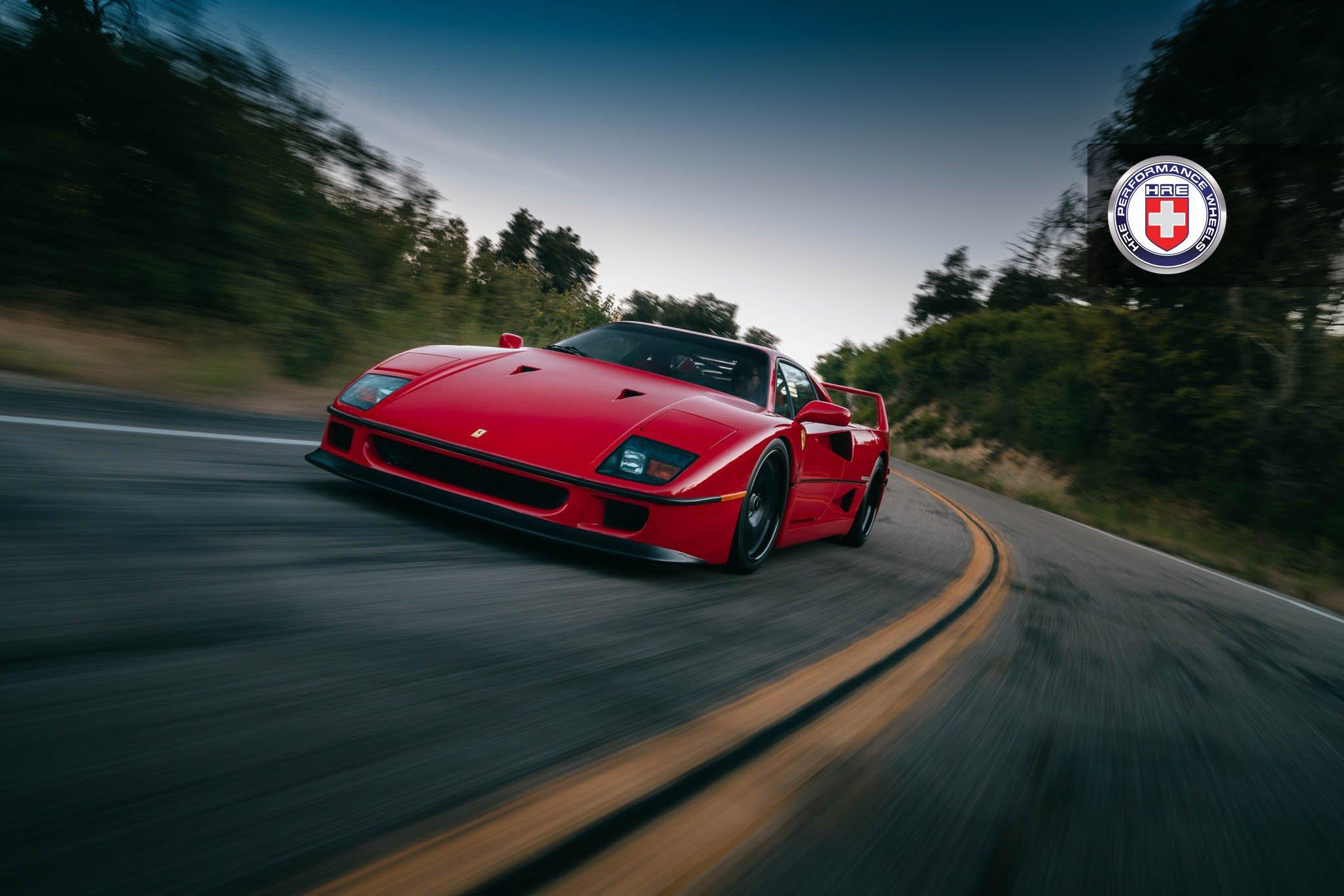Ferrari F40 на дисках от HRE Wheels