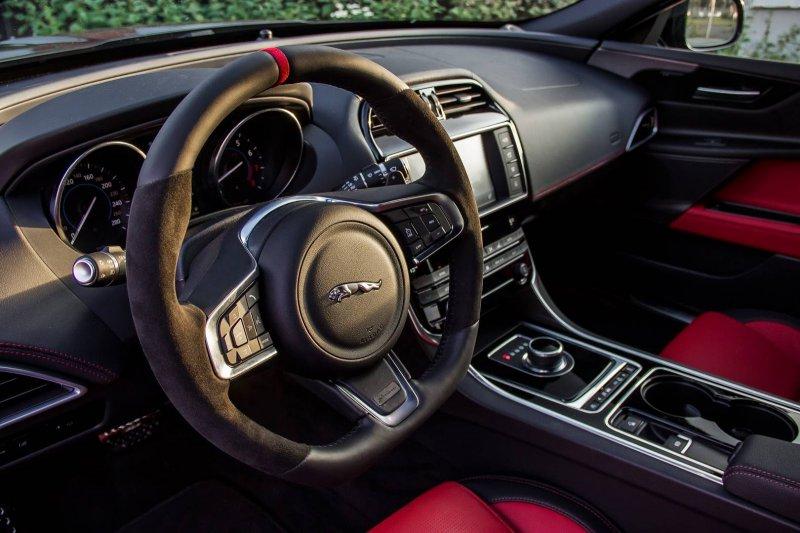 Jaguar XE от тюнинг-ателье Arden