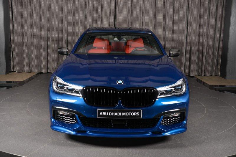 Автосалон в Абу-Даби представил кастомизированный BMW 750Li