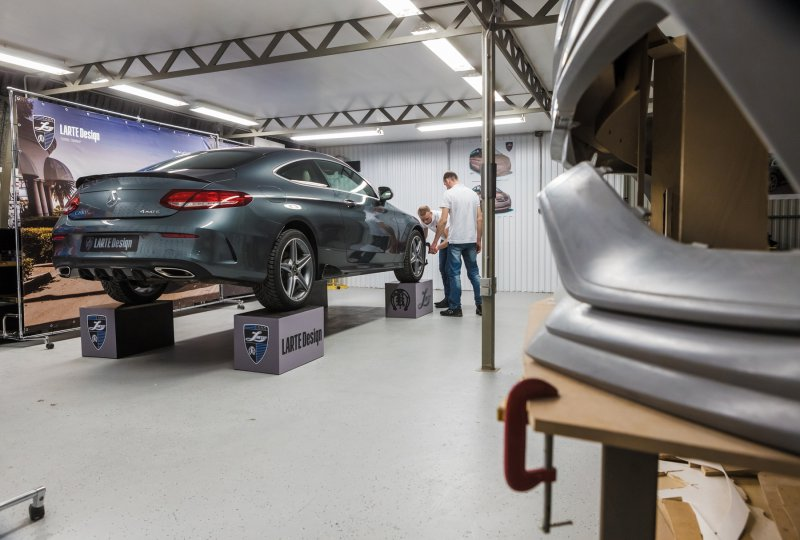 LARTE Design кастомизировали Mercedes C-class в честь своего 6-летия