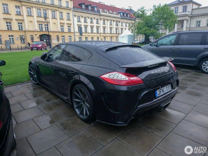Porsche Panamera в тюнинг-комплекте Mansory C One