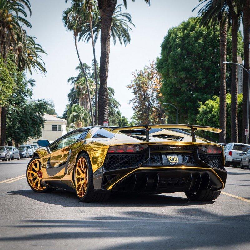 Chris Brown кастомизировал свой Lamborghini Aventador SV Roadster