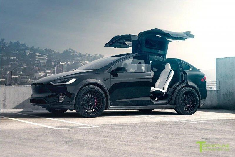 Tesla Model X в агрессивном дизайне от T Sportline