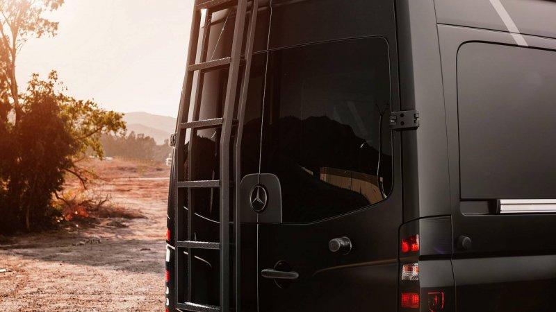 Lexani сделали из Mercedes-Benz Sprinter люксовый внедорожный кемпер
