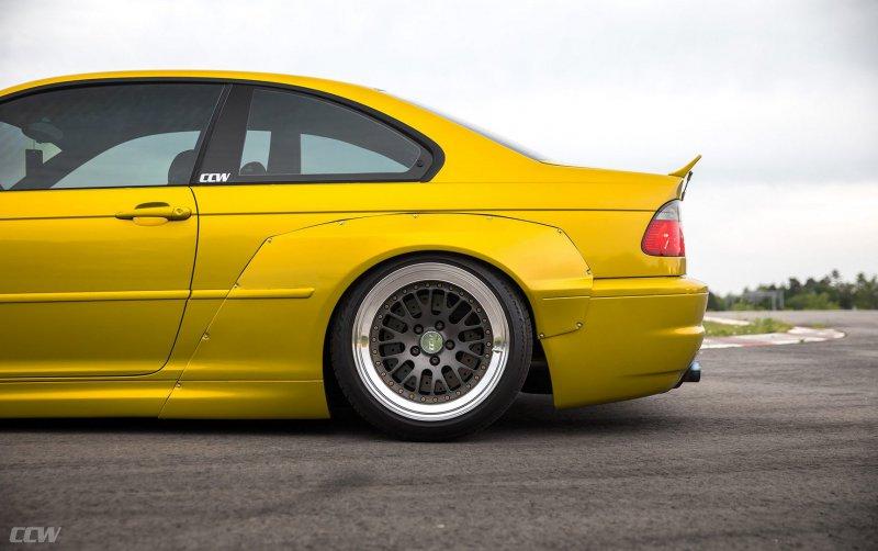 Заряженная версия BMW M3 E46 в обвесе от Rocketbunny