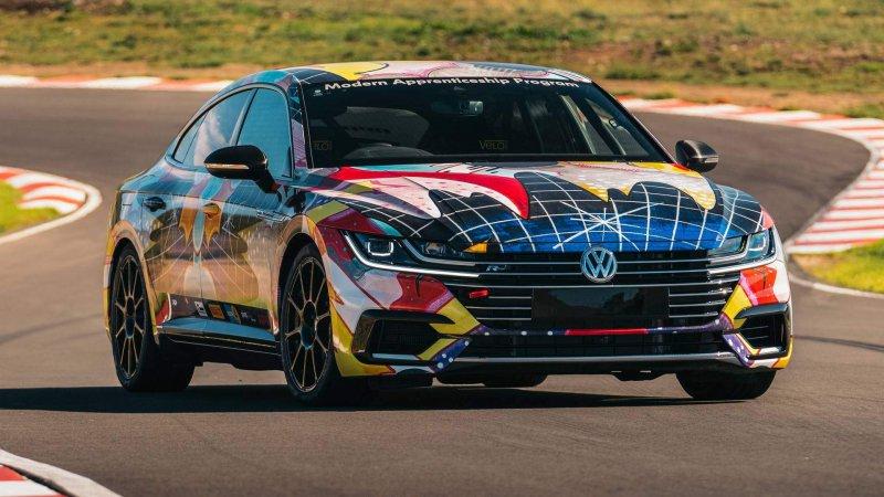 Тяжело модифицированный Volkswagen Arteon от VW Australia