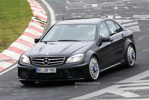 Mercedes C63 AMG Black Series станет седаном