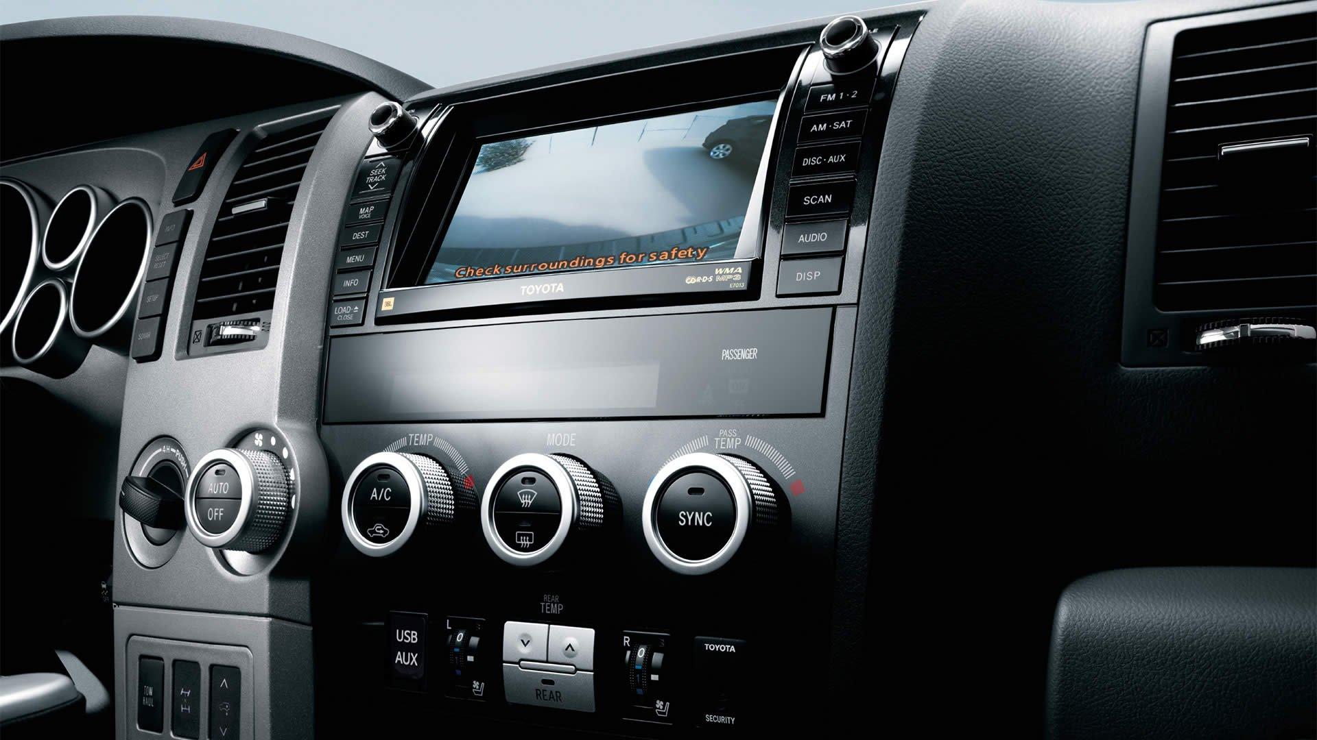 1401125683 08 - Тест-драйв Toyota Sequoia (2014)