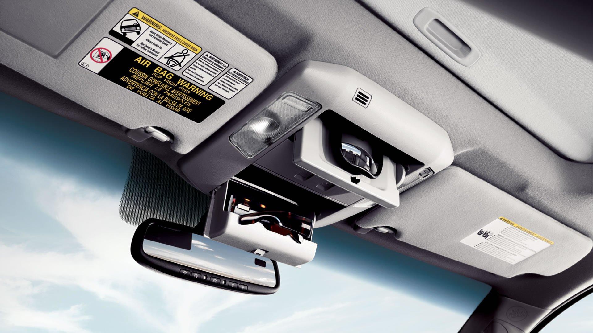 1401125736 11 - Тест-драйв Toyota Sequoia (2014)