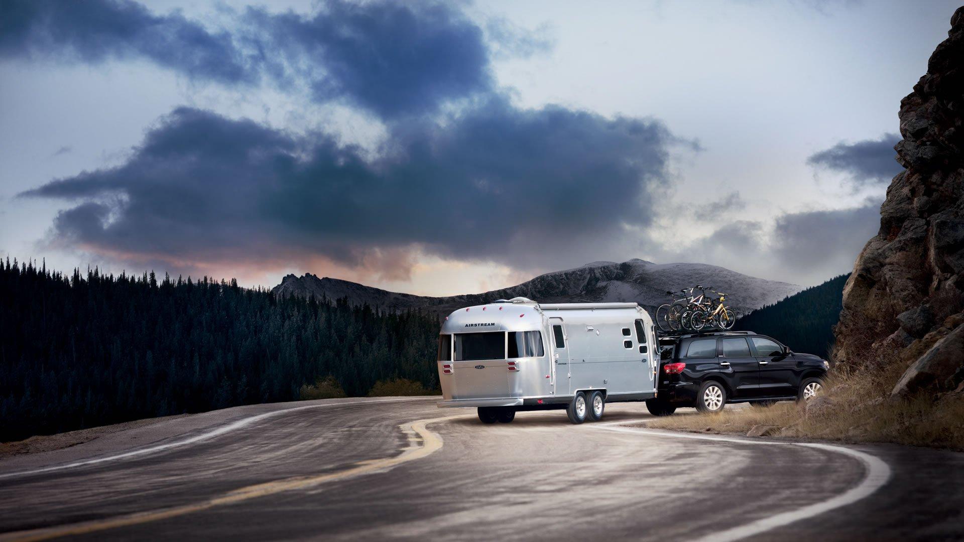 1401125742 03 - Тест-драйв Toyota Sequoia (2014)
