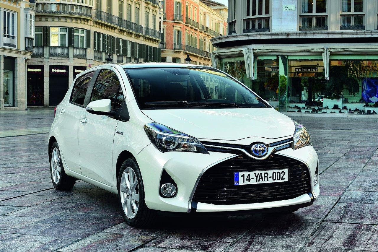 Тест-драйв Toyota Yaris (2015)
