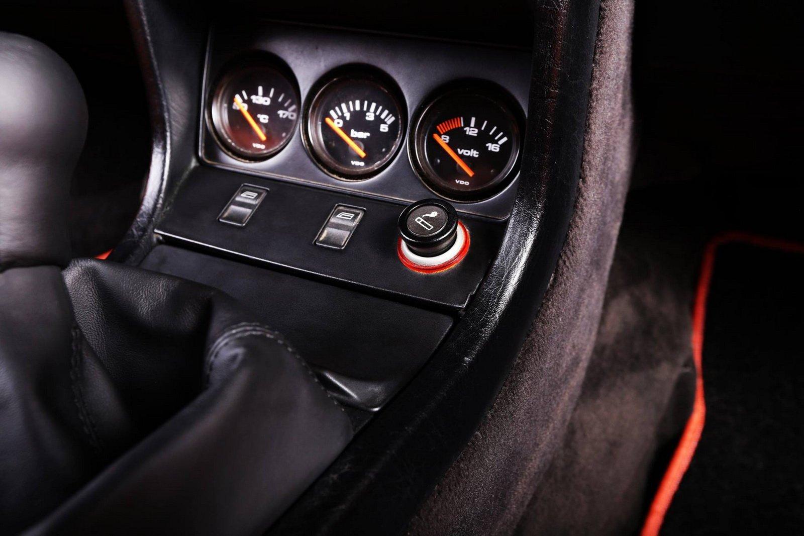 1477150766 audi coupe 4 - Carbon Motors преобразили интерьер Audi B2