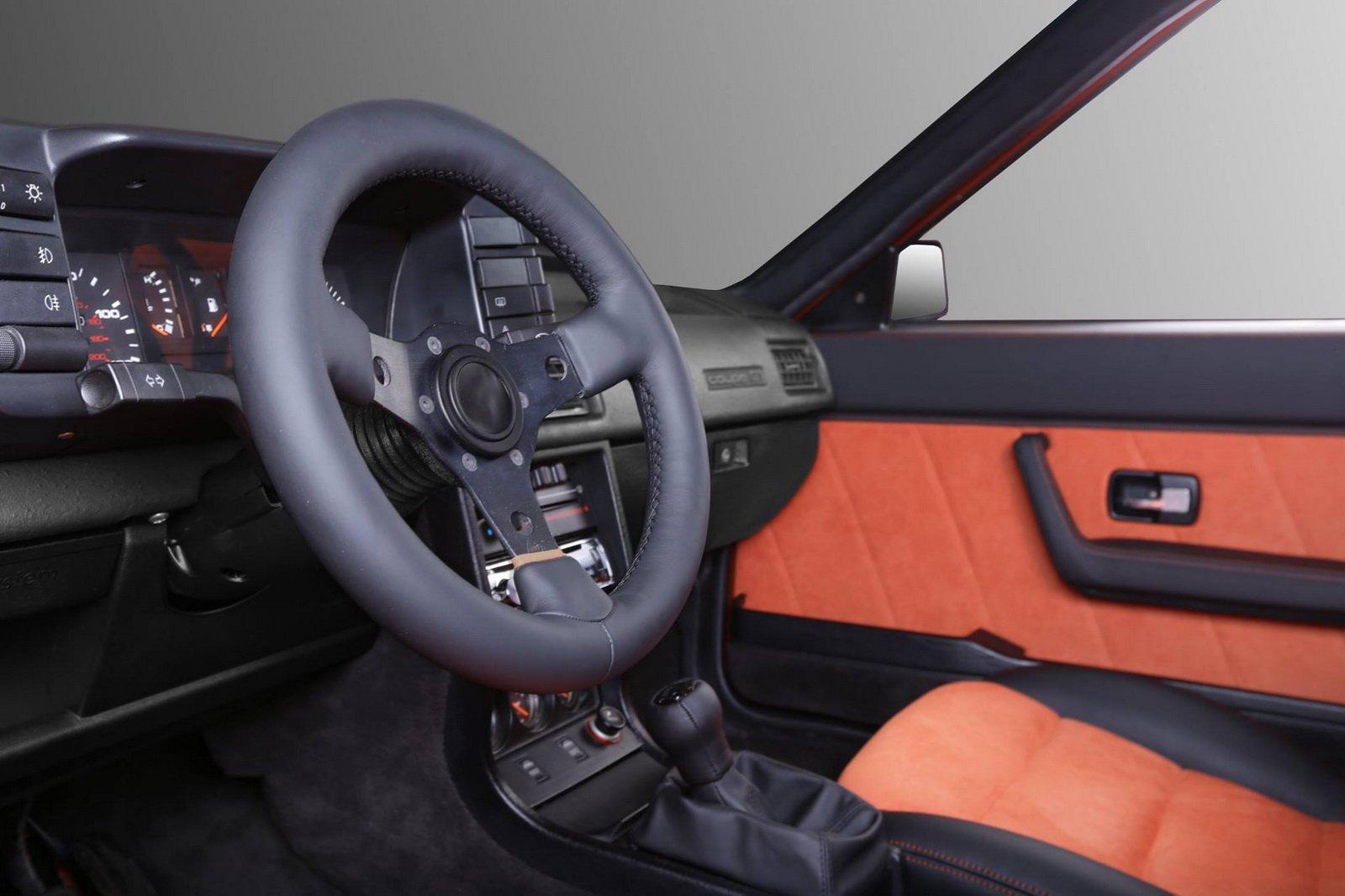 1477150818 audi coupe 10 - Carbon Motors преобразили интерьер Audi B2