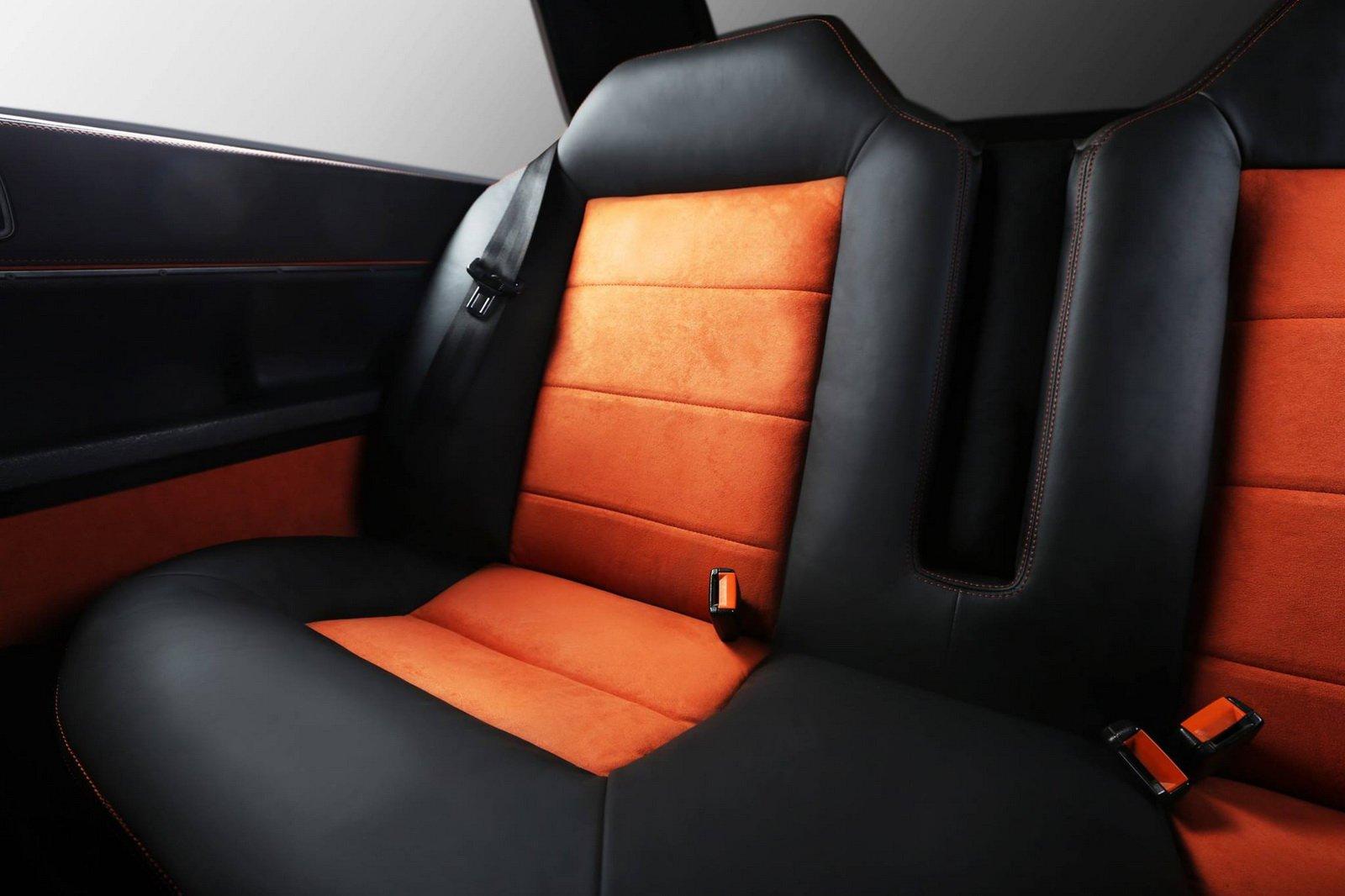 1477150845 audi coupe 6 - Carbon Motors преобразили интерьер Audi B2