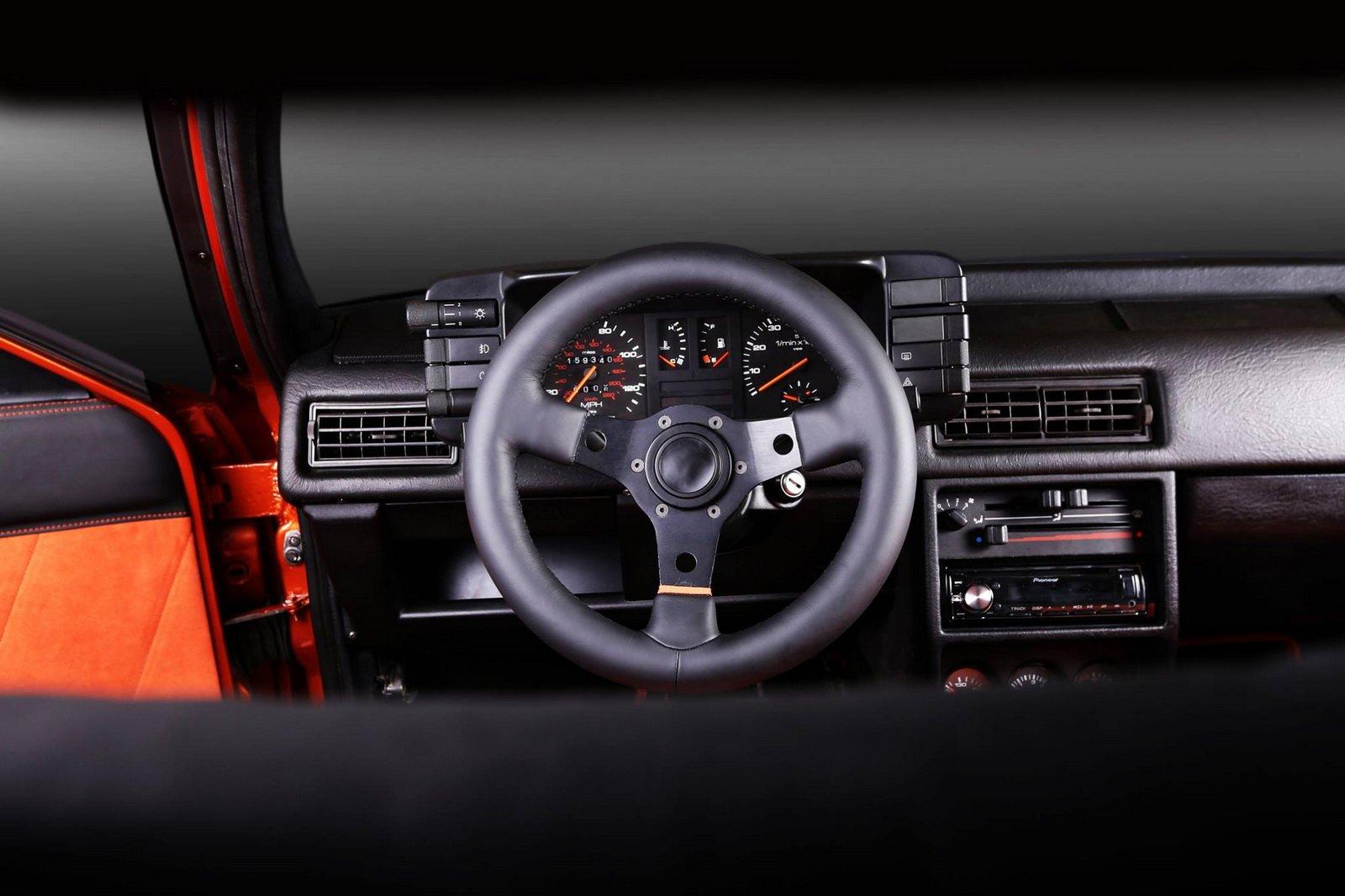 1477150853 audi coupe 16 - Carbon Motors преобразили интерьер Audi B2