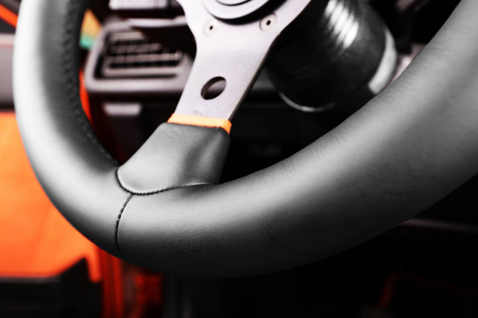 1477150881 audi coupe 14 - Carbon Motors преобразили интерьер Audi B2