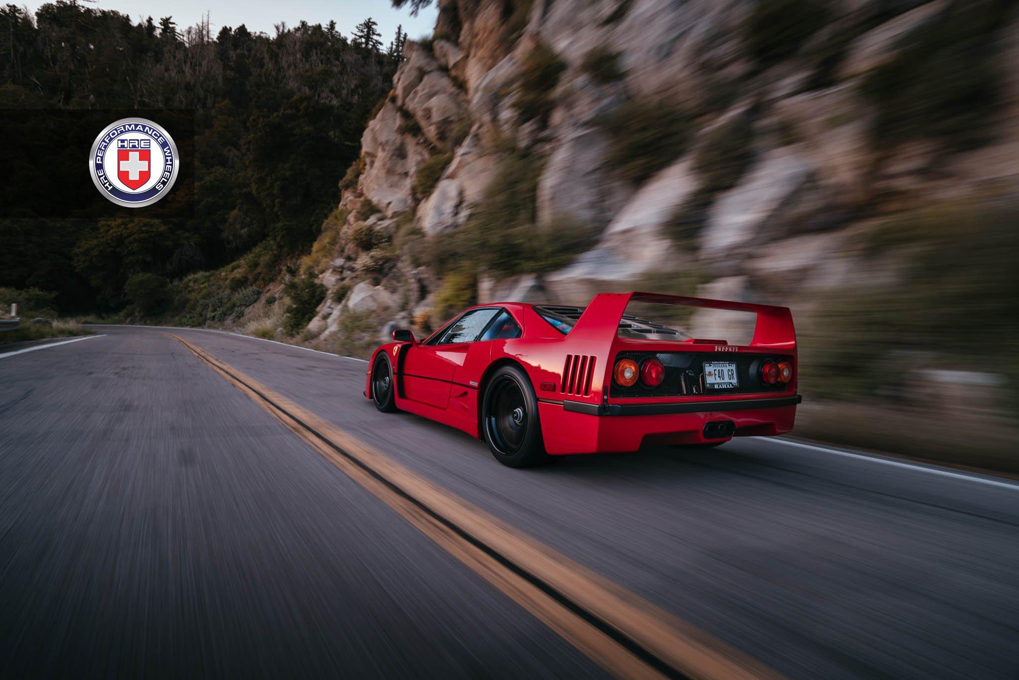 1477230186 ferrari f40 1 - Ferrari F40 на дисках от HRE Wheels