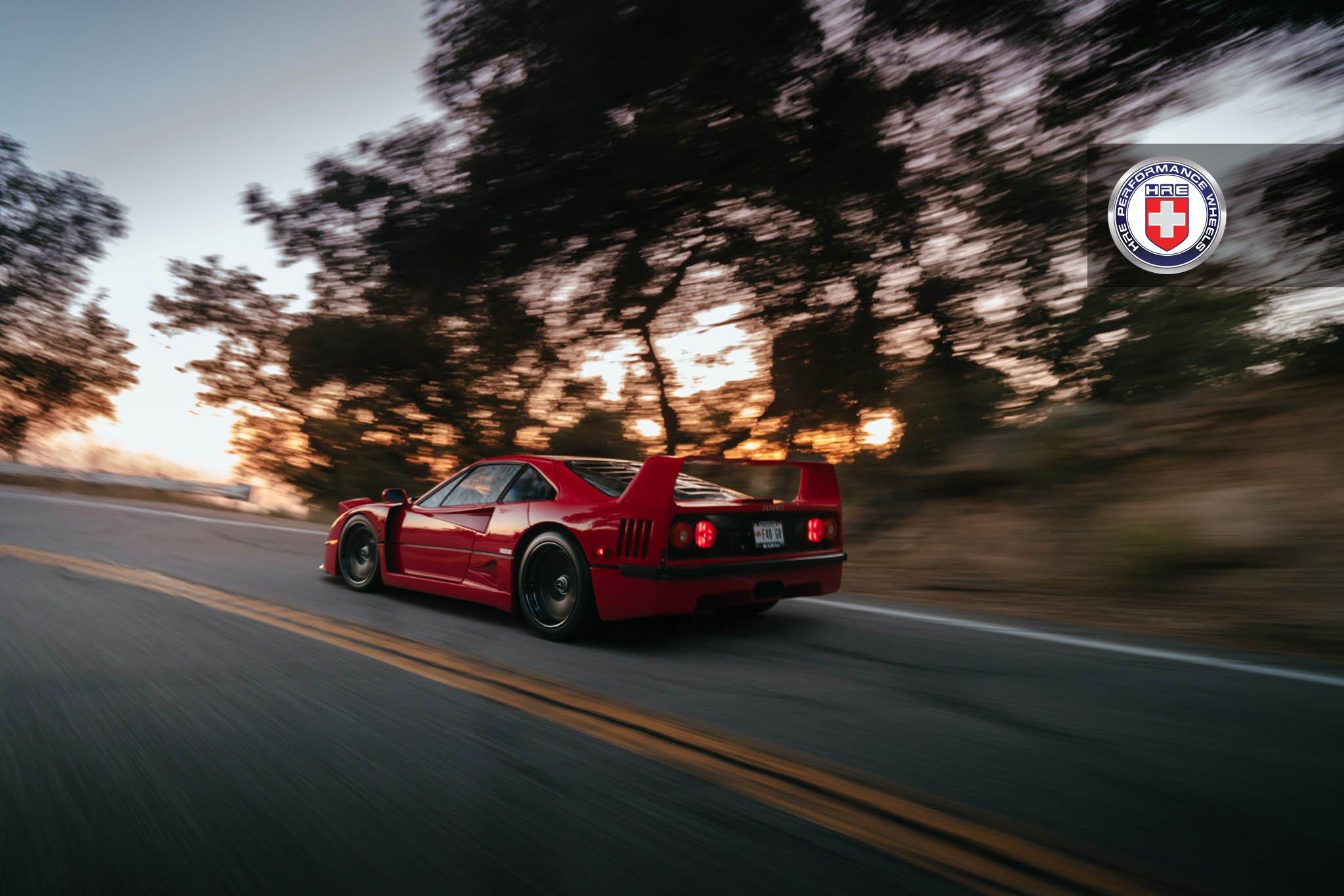 1477230196 ferrari f40 2 - Ferrari F40 на дисках от HRE Wheels