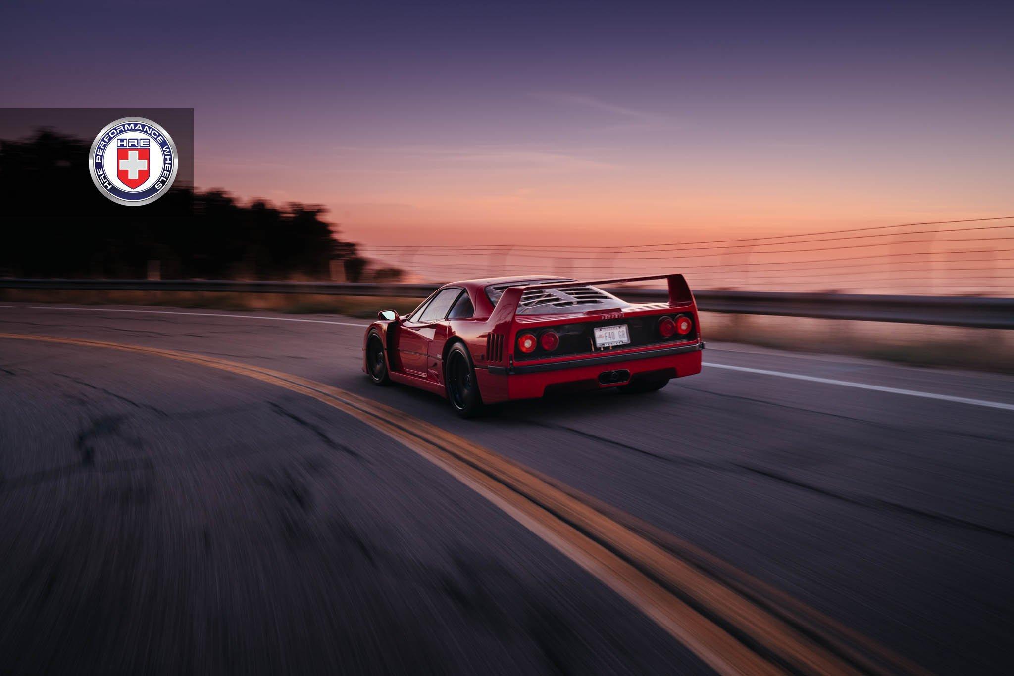 1477230270 ferrari f40 9 - Ferrari F40 на дисках от HRE Wheels