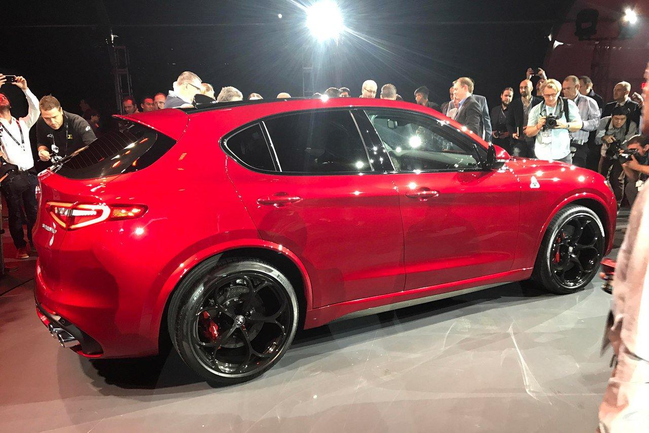 1479393150 6ldjmmzisjs - Alfa Romeo представила в Лос-Анджелесе кроссовер Stelvio QV