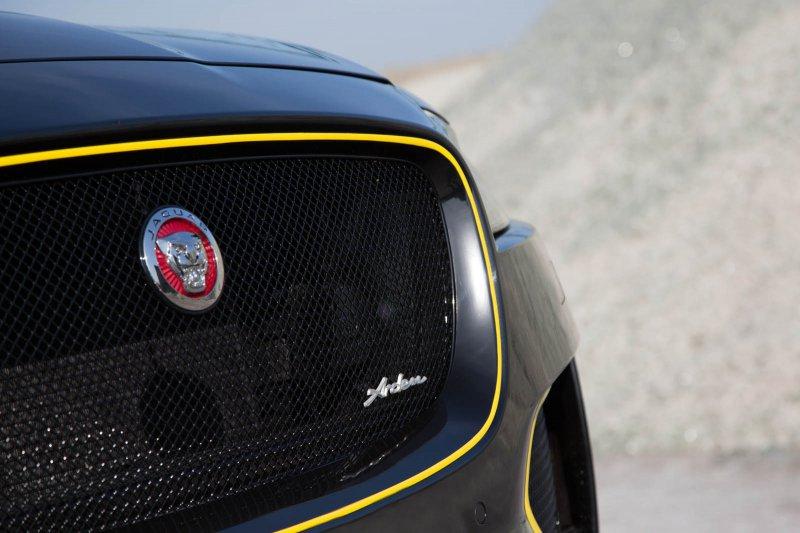Jaguar F-Pace в тюнинг-комплекте AJ 25 от Arden