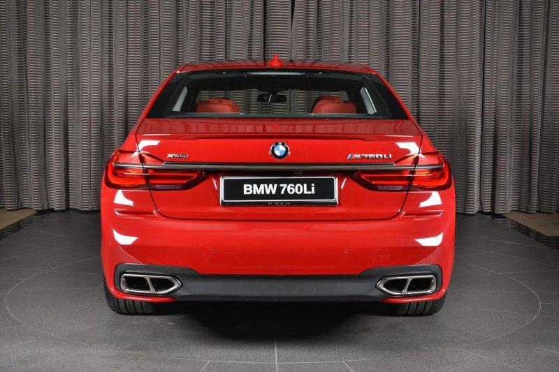 Автосалон в Абу-Даби выставил оригинальный BMW M760Li