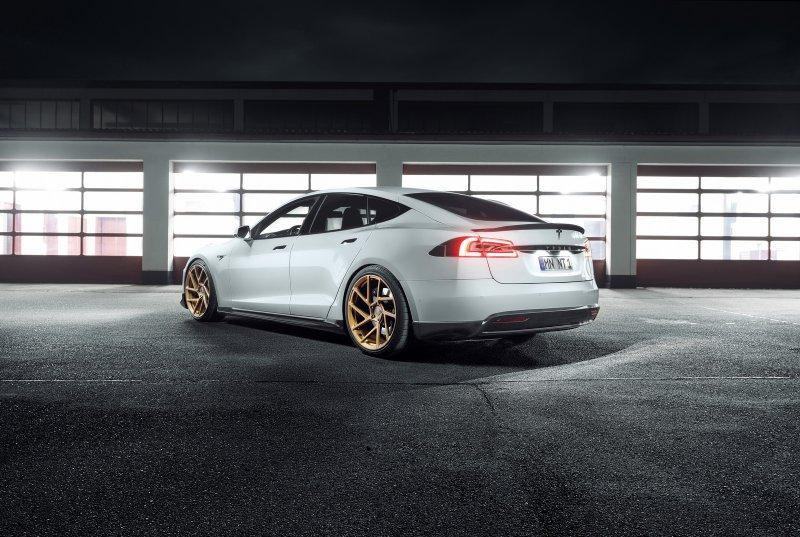 Novitec представила апгрейды для Tesla Model S