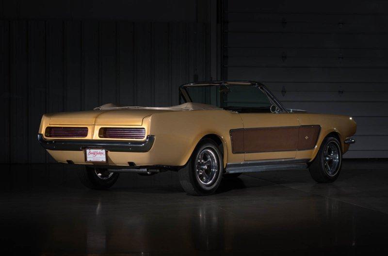 Кастомные Ford Mustang Sonny и Cher выставлены на продажу