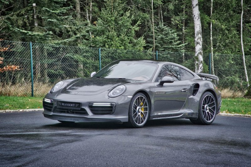 Porsche 911 Turbo S в карбоновым обвесе от Mansory