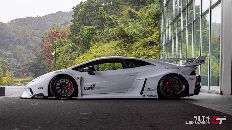 Обвес для Lamborghini Huracan от Liberty Walk